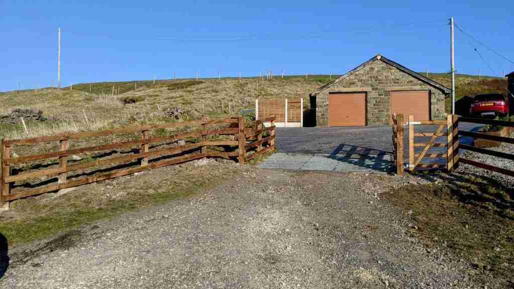 4 bar fence with cattle grid