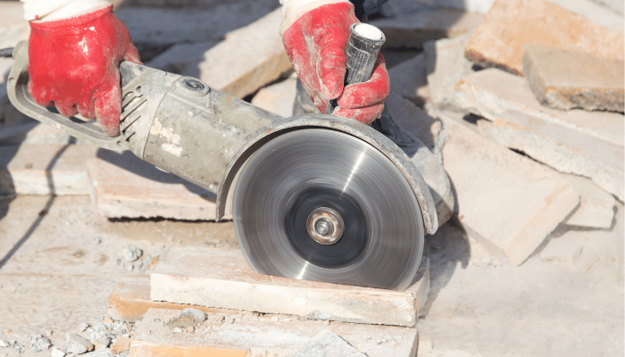 Cutting porcelain paving with an angle grinder