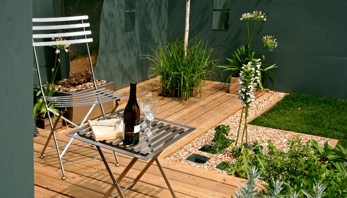 Modern garden design with boundaries and focal points