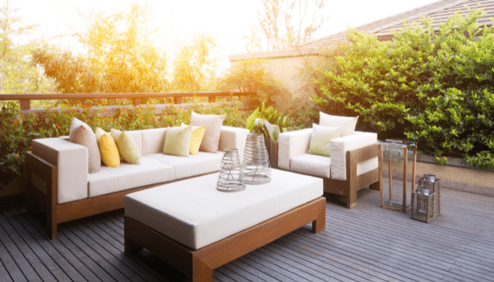 Garden furniture which is well suited to its surroundings